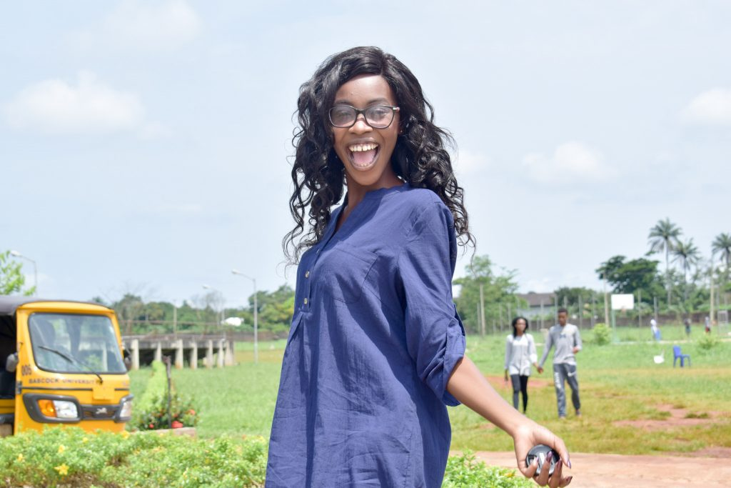 See those ones doing University romance at my back...lol